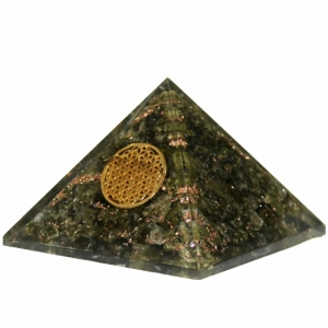 Orgone Pyramid - Epidot with Flower of Life 4cm